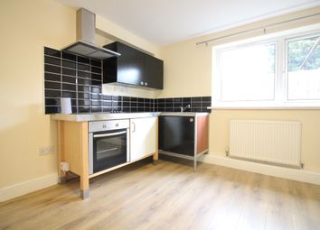 1 bed flat to rent in Hanworth Road, Hounslow TW4
