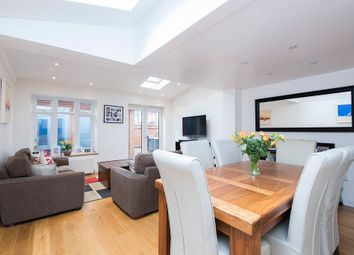 3 bed property to rent in Russell Road, London SW19