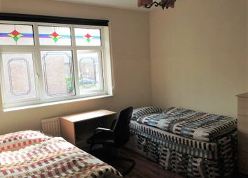 Thumbnail Room to rent in Avis Square, Shadwell