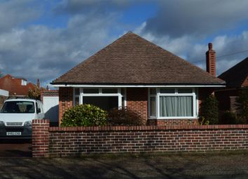Thumbnail 4 bed bungalow to rent in Wiston Avenue, Broadwater, Worthing