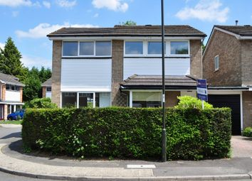 Thumbnail 4 bed detached house to rent in Woodend Close, Crawley