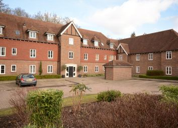 Thumbnail 1 bedroom flat to rent in Highgrove Avenue, Ascot