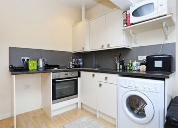Thumbnail 1 bed flat to rent in Cambridge Grove, Hammersmith, London