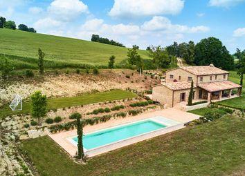Thumbnail 4 bed farmhouse for sale in San Ginesio, San Ginesio, Macerata, Marche, Italy