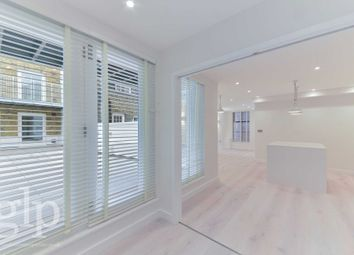 Thumbnail 3 bed flat to rent in William IV Street, Covent Garden