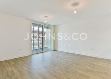 Thumbnail 2 bed flat to rent in Bowline Court, Greenwich, London
