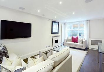 Thumbnail 3 bed town house to rent in Peony Court, Park Walk, Chelsea