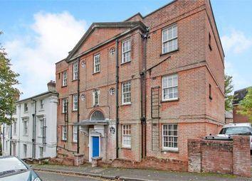 2 bed flat to rent in Clifton Lodge Block 2, Clifton Road, Winchester SO22