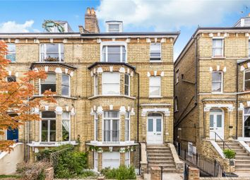 Cardigan Road, Richmond, Surrey TW10. 2 bed flat for sale
