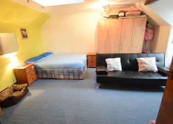 Thumbnail Studio to rent in St Pauls Avenue, Willesden Green, London