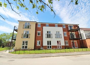 Thumbnail 2 bed flat for sale in Cavendish Drive, Locks Heath, Southampton