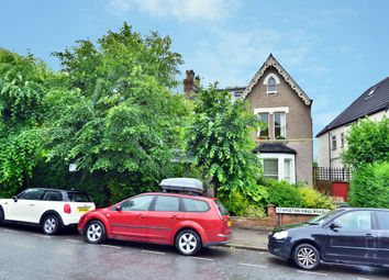 Thumbnail 1 bedroom flat to rent in Stapleton Hall Road, Stroud Green, London
