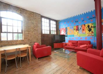 Thumbnail 2 bed flat to rent in North Tenter Street, London