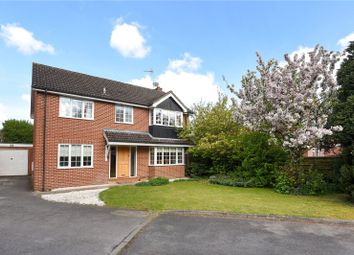 Thumbnail 4 bed detached house for sale in Washington Gardens, Finchampstead, Berkshire