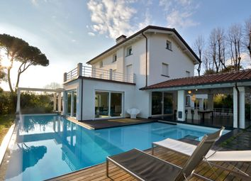 Thumbnail 5 bed villa for sale in Pietrasanta, Pietrasanta, Lucca, Tuscany, Italy