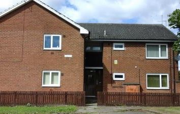 Thumbnail 1 bedroom flat to rent in Trentham Avenue, Preistfields, Middlesbrough