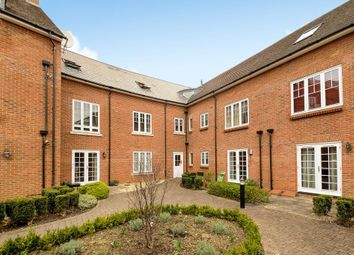 Thumbnail 2 bed flat to rent in Central Abingdon, Oxfordshire