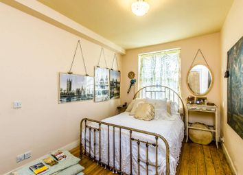 Thumbnail 2 bedroom flat to rent in Prince Arthur Road, Hampstead