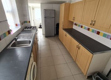 Thumbnail Flat to rent in Flat 2, Queens Road, Doncaster