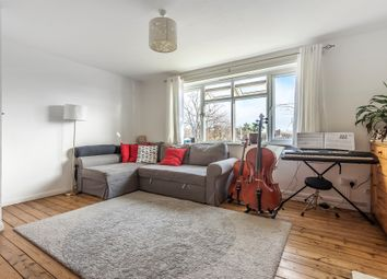 2 bed maisonette for sale in Link Road, London N11