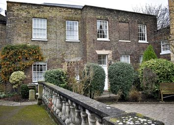 Thumbnail 2 bed cottage for sale in Gleanings Mews, Rochester