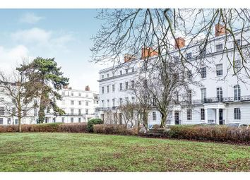 2 bed flat to rent in Clarendon Square, Leamington Spa CV32