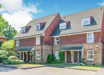 2 bed maisonette to rent in Windmill Rise, Kingston Upon Thames KT2