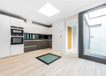 Thumbnail 2 bed property to rent in Evelyn Road, London