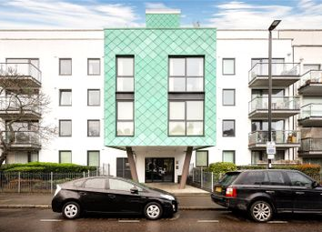 3 bed flat for sale in Drayton Park, London N5