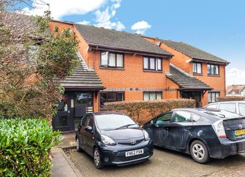 2 bed flat for sale in St. Benedicts Close, London SW17