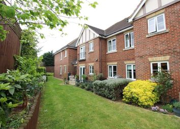 Thumbnail 1 bedroom flat for sale in Bath Road, Calcot, Reading