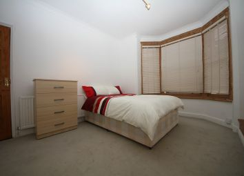 Thumbnail Room to rent in Donnington Road, Room 2, Reading
