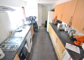 Thumbnail 6 bed end terrace house to rent in Donnington Gardens, Reading