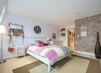 Thumbnail 1 bed mews house to rent in Grange Road, Bermondsey