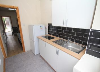 Thumbnail  Studio to rent in 39 Priesley, Luton LU1 5Ql