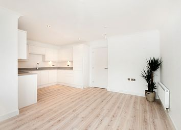 Thumbnail 1 bedroom flat to rent in 90 Hardinge Street, Ship Apartments, London