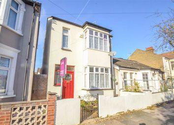 3 bed detached house for sale in Southview Drive, Westcliff-On-Sea, Essex SS0