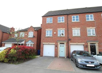 Blakeholme Court, Burton-On-Trent DE14. 3 bed town house for sale