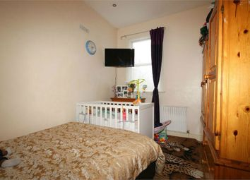Thumbnail 2 bed flat to rent in Somers Road, London