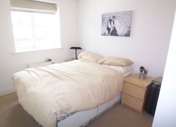 Thumbnail 1 bed flat to rent in St. Davids Square, Lockes Wharf, Canary Wharf