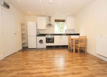 Thumbnail 1 bed flat to rent in Hanley Road, Finsbury Park, London