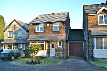 Thumbnail 3 bed link-detached house to rent in Parsonage Road, Horsham, West Sussex