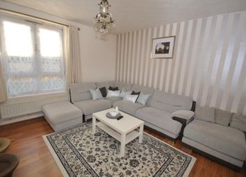 Thumbnail 4 bed flat to rent in Prusom Street, London