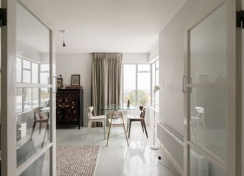 Thumbnail 2 bed flat for sale in Pullman Court, Streatham Hill, London