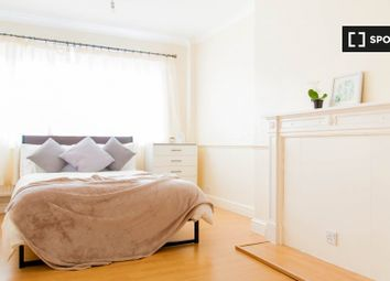 Room to rent in Church Street Estate, London NW8