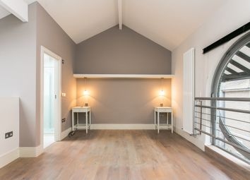 Thumbnail 1 bed flat to rent in Square Rigger Row, London