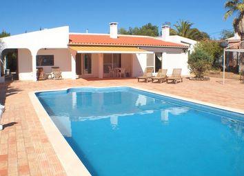 Thumbnail 4 bed villa for sale in Portugal, Algarve, Santa Bárbara De Nexe