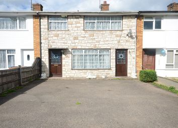 Thumbnail 3 bed town house to rent in Wheble Drive, Woodley, Reading