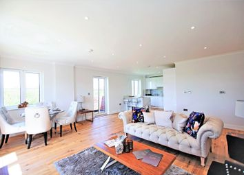 Thumbnail 3 bed flat for sale in Great North Way, Hendon