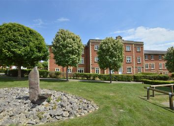 Thumbnail Flat for sale in Reed Drive, Redhill